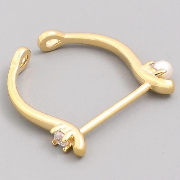 Jewelry - Rhinestone Stud Bar Ring